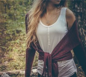 modny sweterek damski